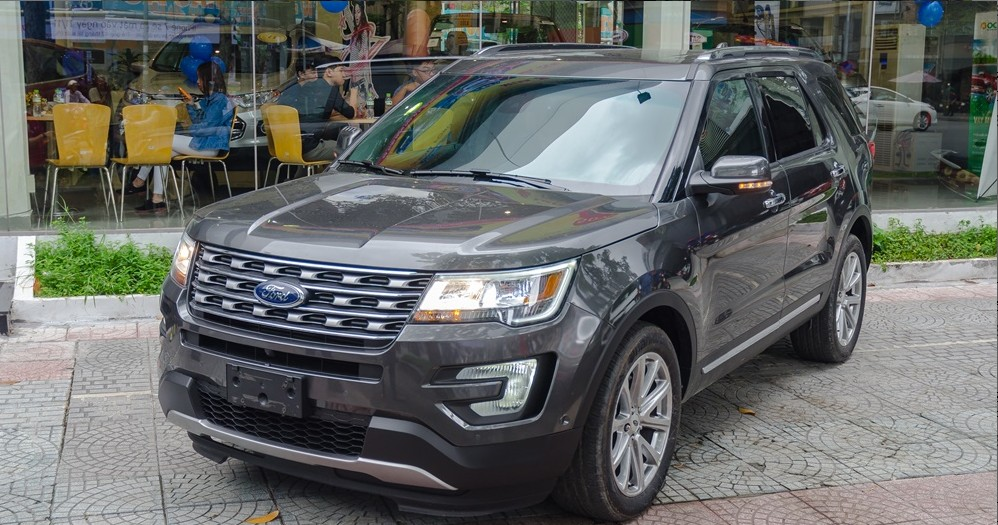 danh-gia-ngoai-that-cua-ford-explorer-23-ecoboost-limited-2017-01