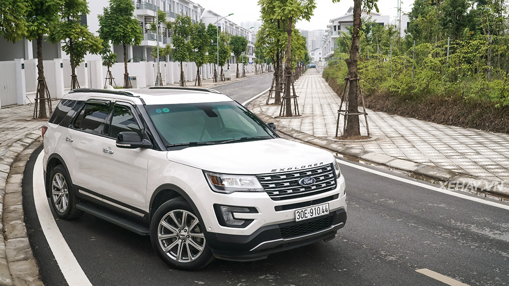 danh-gia-noi-that-va-tien-nghi-cua-ford-explorer-23-ecoboost-limited-2017-phan-2-03