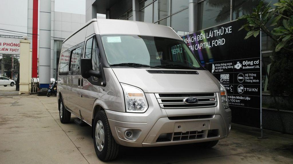 ford-transit--mau-xe-thuong-mai-an-tuong-tai-viet-nam-phan-1-03