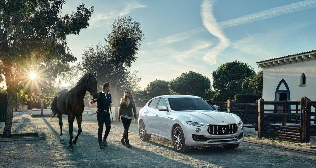 """Sau khi chinh phục hoàn toàn thị trường Châu Âu, Maserati bắt đầu chuyển hướng sang khai thác thị trường tiềm năng mới, theo đó MaseratiVN không thể nào không nhắc đến thị trường châu Á. Theo ông Amaury La Fonta – Giám đốc Điều hành của Maserati tại châu Á Thái Bình Dương cho biết """"Trong giai đoạn này Maserati đặt ra mục tiêu là phát triển thương hiệu, mở những cánh cửa mới để đưa các giá trị cốt lõi của Maserati đến được khách hàng tiềm năng và tiếp tục kể câu chuyện của Maserati cho nhiều thế hệ"""". Đại lý MaseratiVN xúc tiến các hoạt động hiện nay của mình, dựa trên tinh thần ấy. Di sản Ý chinh phục cả thế giới Di sản trăm năm Trong suốt hơn một thế kỷ tồn tại và phát triển với quy mô hoạt động phủ sóng trên 70 quốc gia, Maserati vẫn kiên trì đi theo giá trị cốt lõi của thương hiệu, đó là di sản Ý, trải nghiệm xe thể thao hiệu suất cao tạo bởi đội ngũ chuyên môn có trình độ thủ công và tay nghề đẳng cấp thế giới. Tất cả các dòng xe thể thao hiệu năng cao của Maserati, từ sedan Maserati Ghibli cho đến Maserati Quattroporte hay SUV Maserati Levante 2019, dù mỗi cái tên sở hữu tính cá nhân rất riêng, nhưng chúng đều đến từ quê hương Modena nước Ý và đều đóng vai trò như một đại sứ thương hiệu, quảng bá hình ảnh về một nước Ý xinh đẹp. Và tiếp bước sứ mệnh của thương hiệu toàn cầu, MaseratiVN sẽ tiếp tục kiên trì kể một câu chuyện về sự ngẫu hứng, niềm đam mê và sự khác biệt đặc trưng của văn hoá Italy đến với người Việt. Di sản Ý chinh phục cả thế giới Xuất phát điểm của thương hiệu cây đinh ba bắt nguồn từ một thương hiệu xe thể thao. Ngay từ khi xuất hiện, Maserati đã gây được tiếng vang lớn khi xuất sắc truyền tải các tính năng, thành tích trên đường đua vào các dòng xe của mình. Qua nhiều giai đoạn phát triển, hãng xe Ý vẫn luôn trung thành, giữ lại trọn vẹn hiệu suất mạnh mẽ, tiếng động cơ, âm thanh ống xả, thiết kế khí động học vượt trội, cùng với thiết kế tập trung vào người lái. Những giá trị cốt lõi ấy giúp cái tên Maserati gắn liền với thương hiệu xe sang th"""